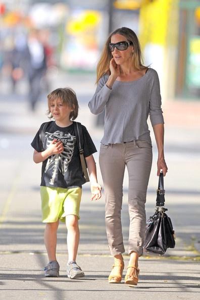 Sarah Jessica Parker Photo - Sarah Jessica Parker Walks Her Son Home