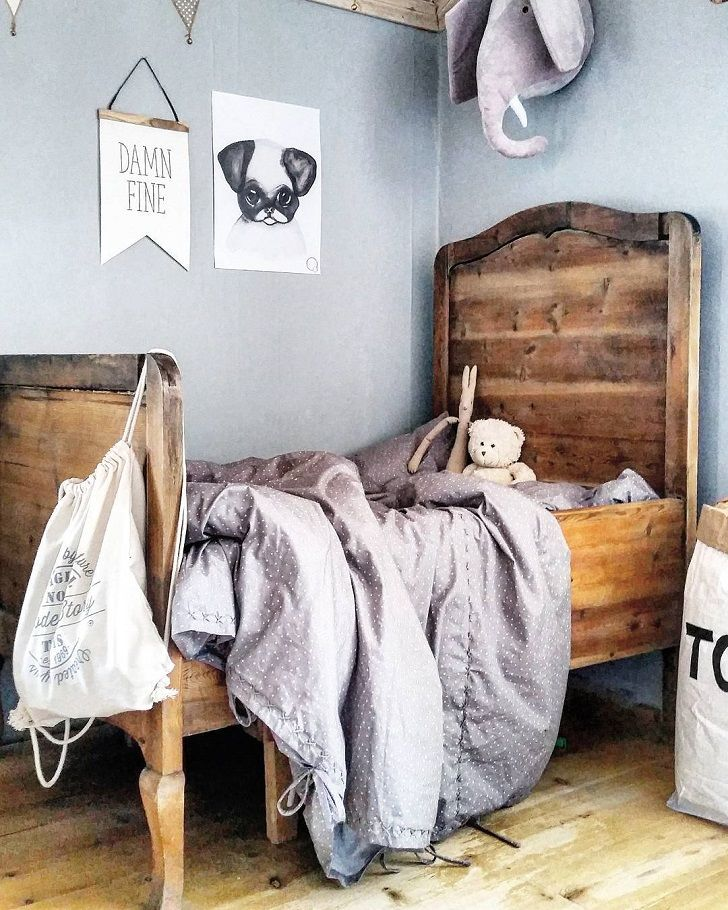 More findings on Instagram! This social network has lots of pictures and accounts that we really love from the first sight! We could spend the whole day looking for new accounts to discover the best kids atmospheres to show them here (follow us there). This is the case of this real kids' room we have […]