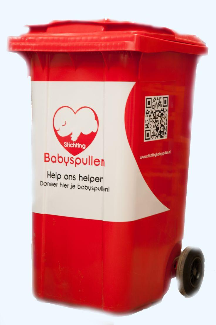 Onze containers waar babyspullen in gedoneerd kunnen worden. Deze containers staan door heel Nederland met in totaal ongeveer 120 inzamelpunten.
