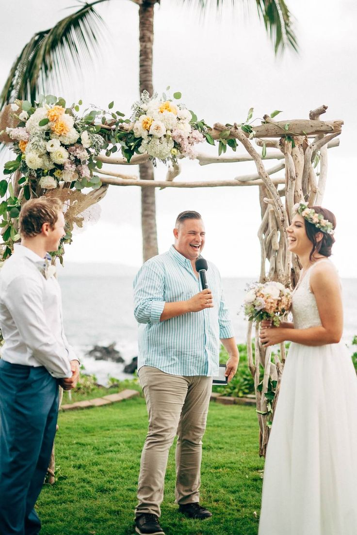 Nobody likes a boring Celebrant that makes a Ceremony seem longer than it needs to me... enter Josh Withers from Married By Josh to save the day!     Australian Wedding Celebrant / Bali Wedding Celebrant / Bali Wedding / Destination Wedding