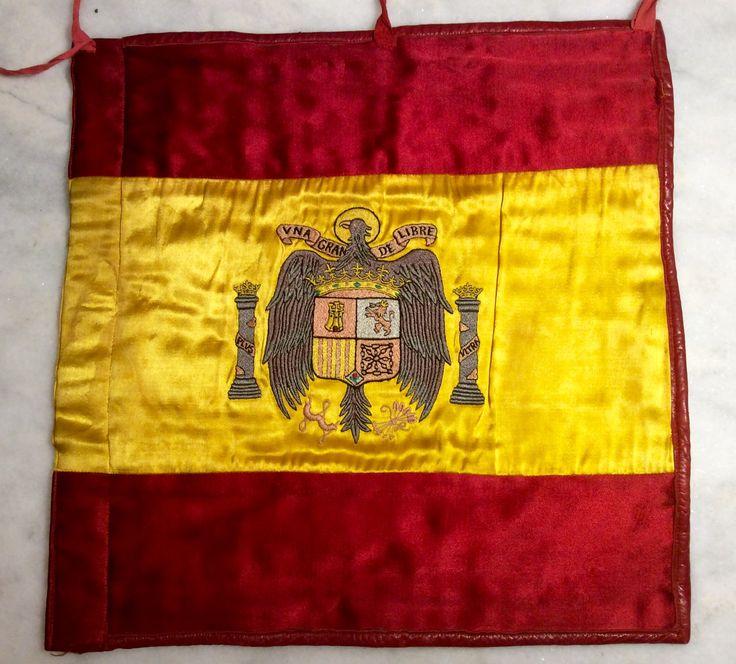 Banderín de coche del presidente del gobierno, vicepresidente, ministro, presidente de las cortes o presidente de consejo del Reino.