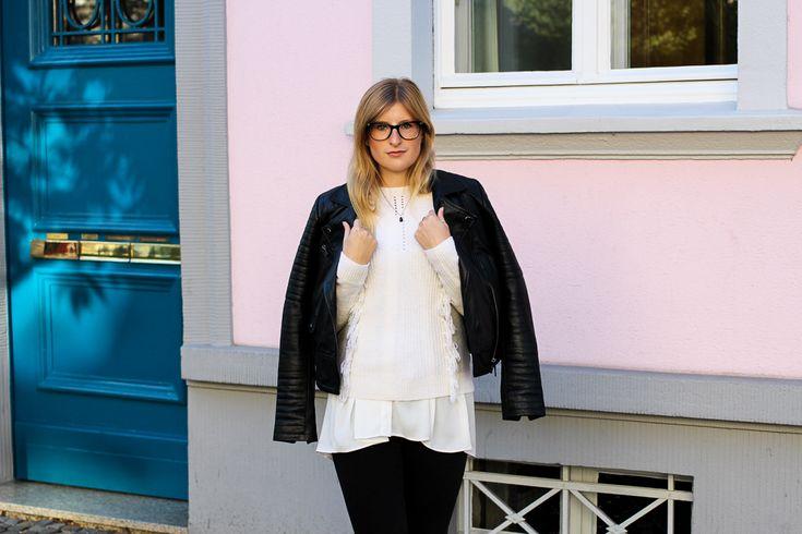 Streetstyle Köln Schwarze Lederjacke Ripped Jeans kombinieren Wollpulli Layering Modeblog Brini 92