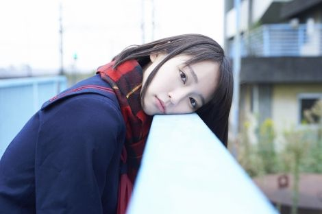 吉岡里帆さん、とんでもないニットセーターでテレビに出演させられるwwwww:無題のドキュメント