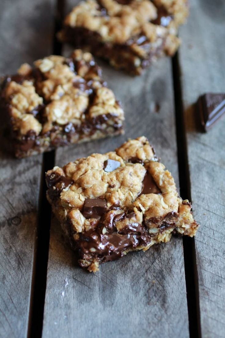 These healthy dark chocolate chunk oatmeal cookie bars are idiot proof! Anyone can make these and they are so good! You have to try them!