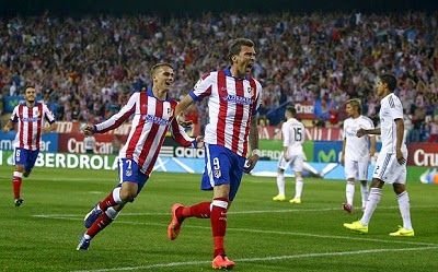 Football: Η Ατλέτικο Μαδρίτης τον πρώτο τίτλο. video Atletico Madrid won the Spanish Super Cup today beating Real Madrid 1-0 with a goal from Mario Mandzukic in the second minute and in conjunction with the first match 1-1 celebrated the conquest.