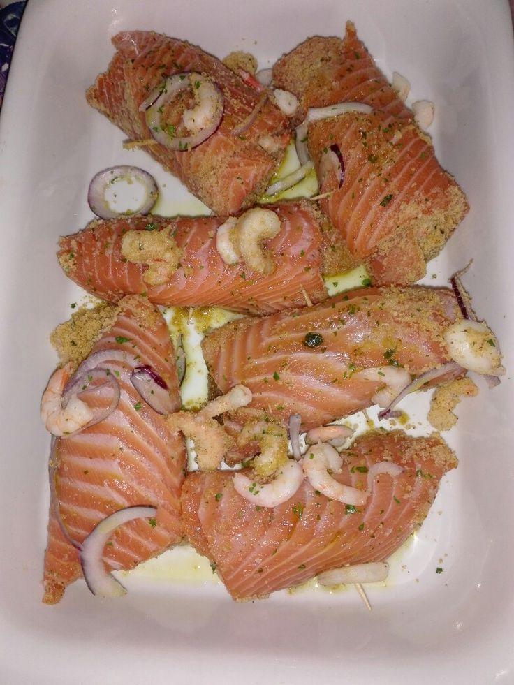 Involtini di salmone con gamberetti