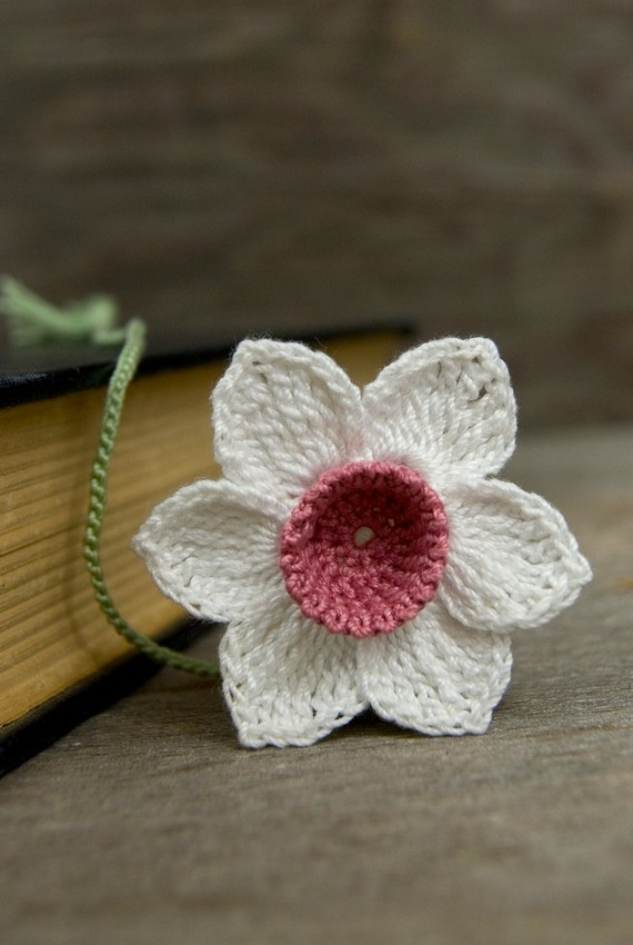Handmade Crochet Bookmark White Daffodil With Rose Pink Centre - on Etsy - I like the unusual colour combo