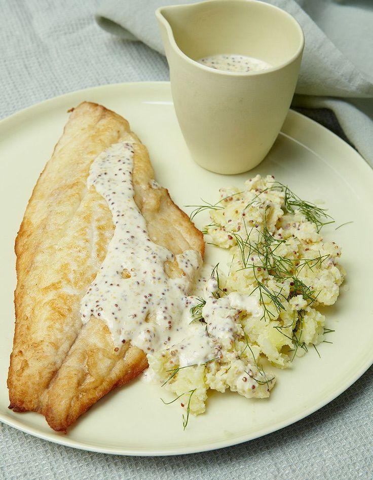 Recette Filets de dorade à la moutarde : 1. Pelez les pommes de terre, rincez-les et épongez-les. Retirez la première feuille du fenouil et jetez-la ; réser...