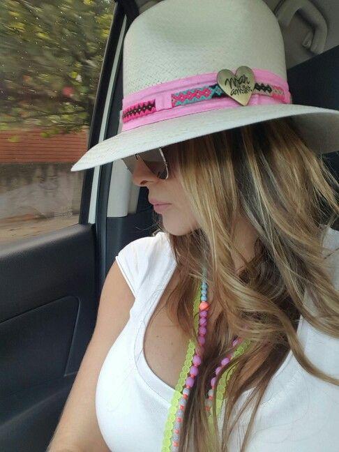 Sombrero aguadeño con cinta en tejido wayuu by @mardeamorsw