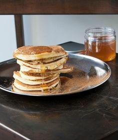 Ένα υγιεινό σνακ για το πρωινό μας, πλούσιο σε ασβέστιο, μαγνήσιο και ψευδάργυρο. Και σίγουρα πιο light από τους λουκουμάδες.