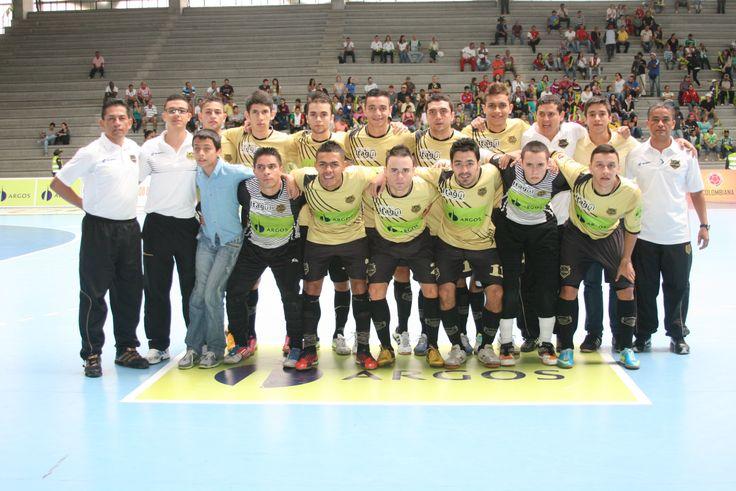 Águilas Doradas, se quedó con el subtítulo de la Liga Argos Futsal 2013-II. No pudo mantener la corona obtenida en la edición anterior.