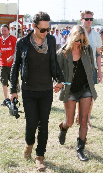 Kate Moss And Husband-To-Be Jamie Hince At Glastonbury Festival, 2010