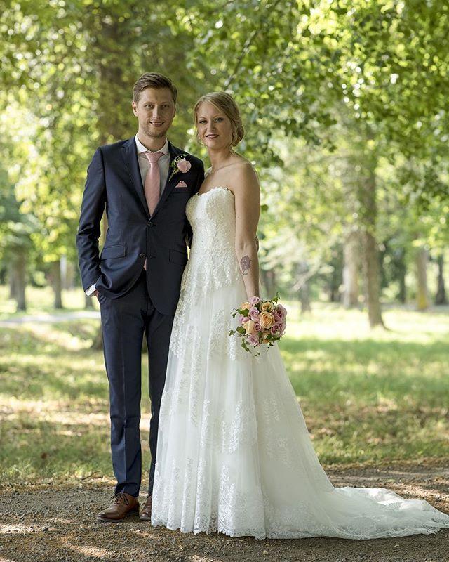 5c5ef73d77cb ... Jonas Åkesson. Längtar till sommaren och bröllopsfotografering. #bröllop  #bröllopsklänning #bröllop2019 #bröllopsfotograf #bröllopsfoto