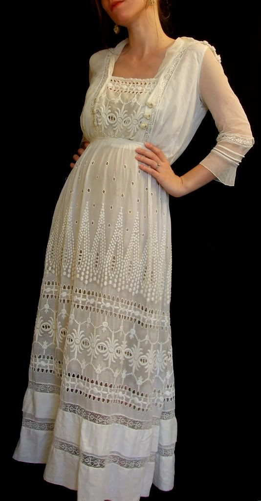 Antique 1910s White Edwardian Wedding Lawn Tea dress Sheer Shawl Tie Collar Pleats Ruffles Tiered skirt front