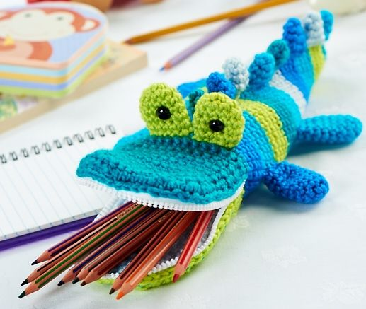 Mister Snaps. Free pattern for this croc pencil case. | Let's Knit. http://www.letsknit.co.uk/free-knitting-patterns/mister-snaps