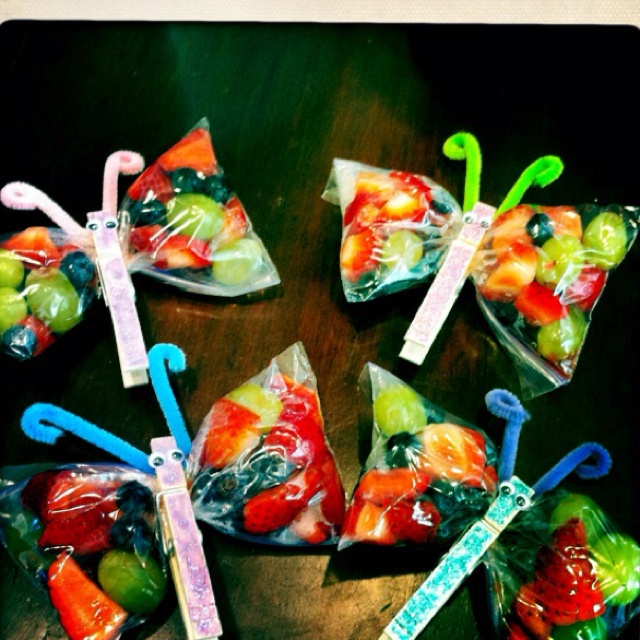 Butterfly fruit snacks. Great idea for party favors or ...
