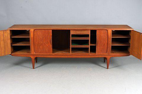 Johannes Andersen. Uldum Furniture. Sideboard.