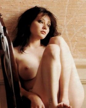 Shannen doherty tied nude