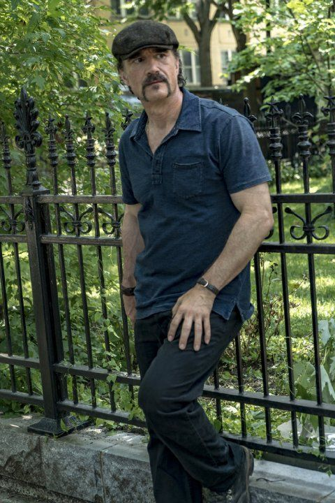 Pictures & Photos of Elias Koteas - IMDb