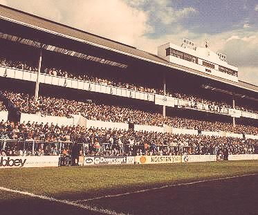 The Shelf absolutely packed #THFC