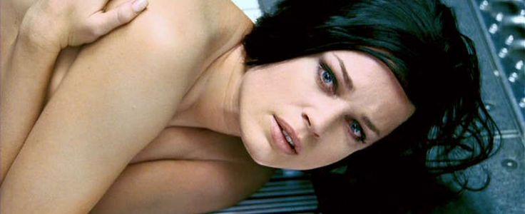 fantasy makeups | mutants | Rebecca Romijn[-Stamos] as Mystique | themakeupgallery