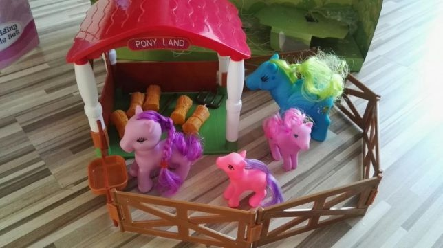 Wonder Pony Land Party Time poneys