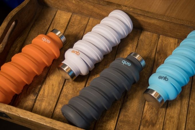 que Bottle - The collapsible, fashionable travel bottle