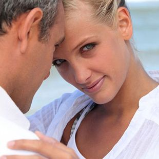 6 REASONS TO DATE OLDER MEN Loyalty - When a younger women dates an older man there is something that she is interested in, like sense of security, experience, mature personality or rugged good looks – lol. This type of connection helps to build loyalty and a long lasting relationship. Find someone that you connect with on many levels. Read more: http://www.besocial.com/blog/?p=245