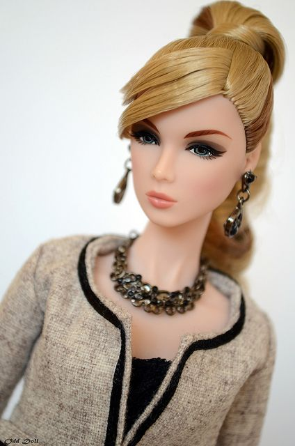171 Best Integrity Toys Fashion Royalty Dolls Images On Pinterest Barbie Doll Barbie Dolls