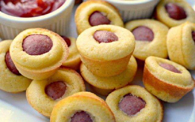 Αλμυρά Muffins με λουκάνικο
