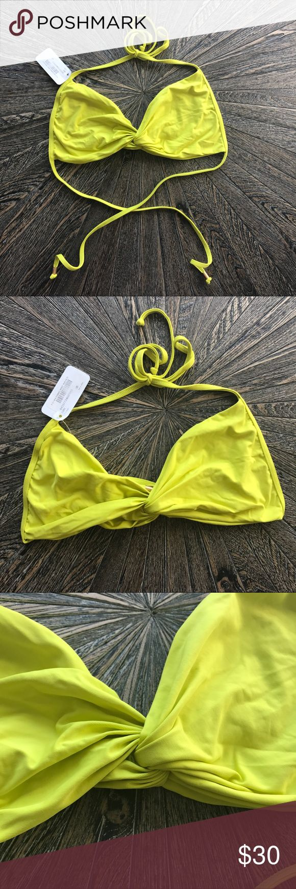 New L Space Lola twist bikini top Bandeau Citron New with tags  PERFECT BIKINI FOR YOUR COLLECTION!!!! L SPACE BIKINI SWIMSUIT TOP!   HARD TO FIND! SOLD OUT EVERYWHERE!!   THIS LISTING IS FOR A L*SPACE BIKINI SWIMSUIT TOP   *NEW WITH TAGS   * Size XL (runs smaller. I'd say more like a large)   * Brand ~ L*SPACE   *Style ~ LOLA TWIST BANDEAU TOP l*space Swim Bikinis