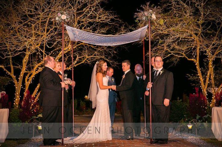 Feather Euk And Rose Cuhuppa Flowers Plantation WeddingWhite Oak FeathersFlowersPhotographyRoses