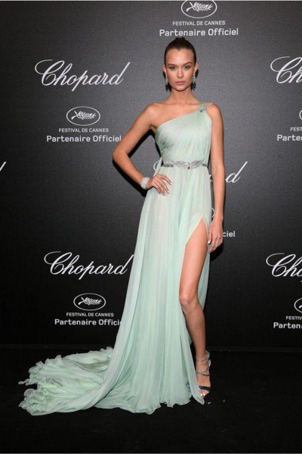 Josephine Skriver Cannes Film Festival Gorgeous Single Shoulder Side Slit Prom Dress