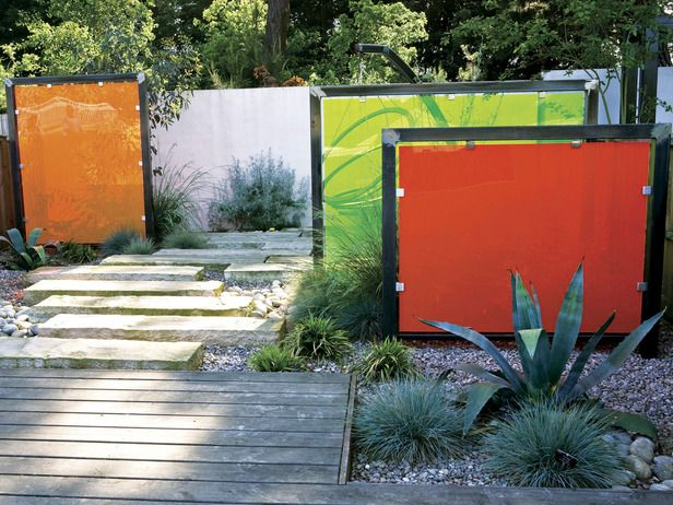 Adding screens and panels within the garden helps divide it into smaller, more intimate spaces. They are especially useful in predictable rectangular plots, where they can add interest and heighten mystery.