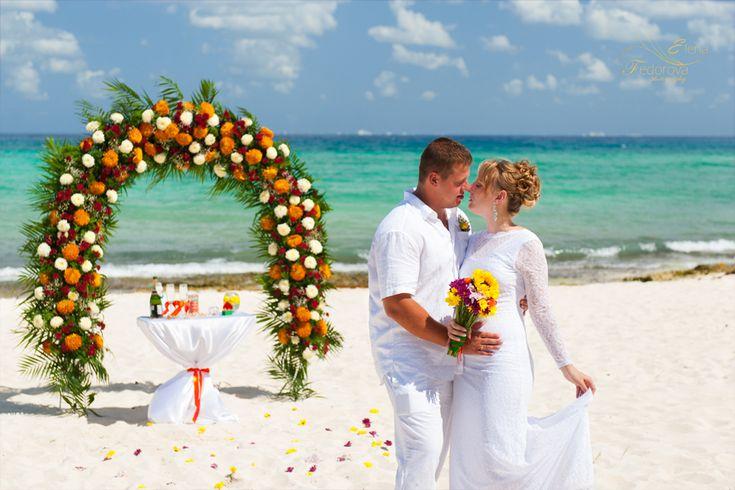 Свадьба  в Мексике. Свадьба за границей, свадебная церемония на пляже, символоическая.