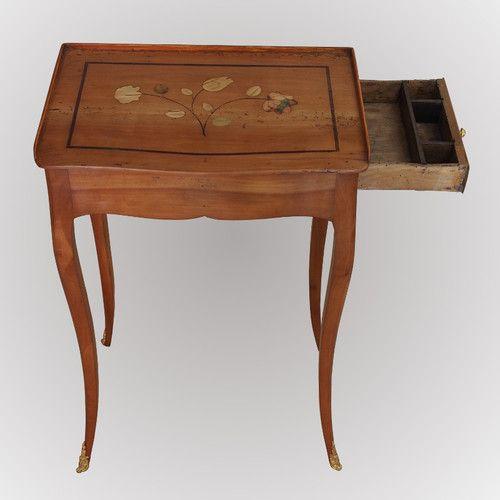 Table volante d'époque 18ème estampillée de Pierre Dupré