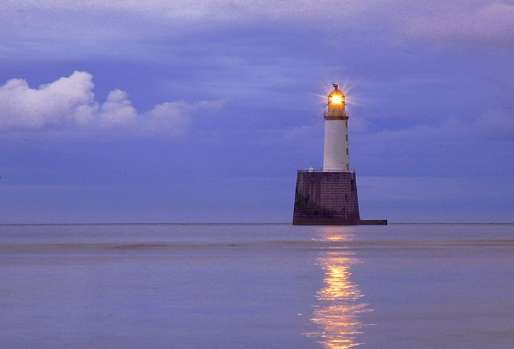 Rattray Head lighthouse at night | Fari 2 ( Lighthouses ...