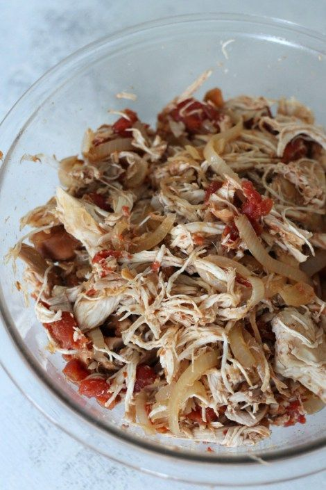 Slow cooker balsamic chicken dinner recipe. Can be prepared ahead of time for easy meals during the week. A favorite healthy crockpot recipe.