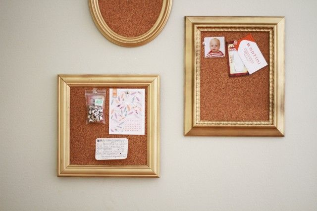 DIY: mini framed cork boards. this nis really cool. i especially like that they are all gathered, like you would normally see photos hung on the wall. thisd would be nice by a little mail or office station near the kitchen. and this would work too, with framed chalk boards.
