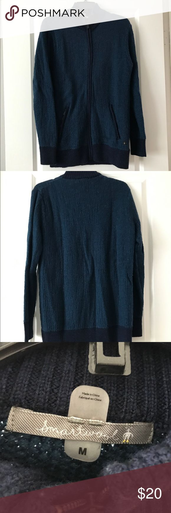 Preowned Men's Smartwool FullZip Blue Cardigan Men's size medium, in great condition as pictured. Smartwool Sweaters Zip Up