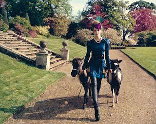 Эмма Уотсон, девушка, мода, фотосессия, Гарри Поттер, пони, Гермиона Грейнджер, Teen Vogue, лошадь, vogue