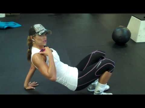 How to Train Abs, Super Fitness Model  Best Selling Author Jennifer Nicole Lee Shows You! - http://www.thehowto.info/how-to-train-abs-super-fitness-model-best-selling-author-jennifer-nicole-lee-shows-you/