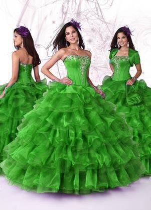 Groene trouwjurk, groene bruidsjurk. Victoria | ~Gekleurde trouwjurken | Sweet Dreams Bruidsmode