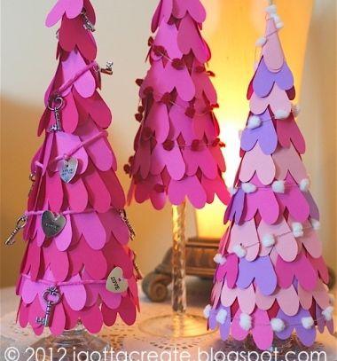Easy DIY Paper heart cone tree - Valentine's day decor // Szívecske fenyőfa papírból - egyszerű Valentin napi dekoráció // Mindy - craft tutorial collection // #crafts #DIY #craftTutorial #tutorial