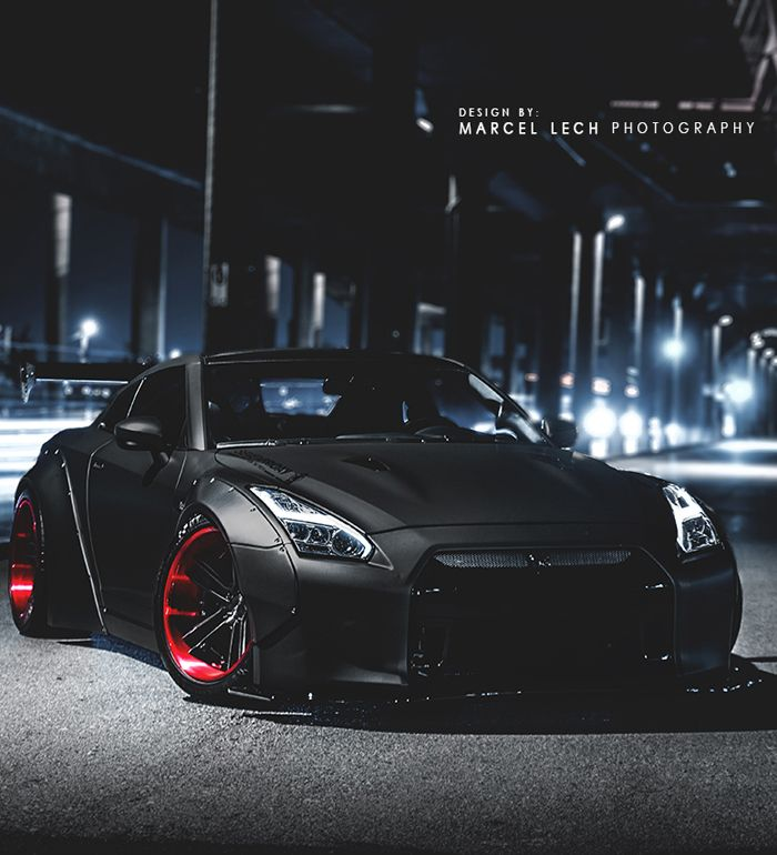 Liberty Walk Nissan GT-R R35. What a mean car! Damn. Carporn.
