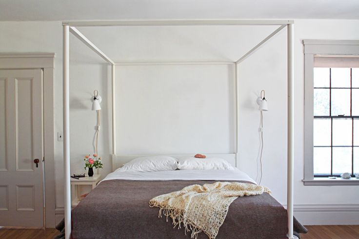 In love with the look of limewashed walls but wary of an unknown undertaking? As Remodelista's resident wall treatment tester, I decided to give it a try. The good news: It was easy.