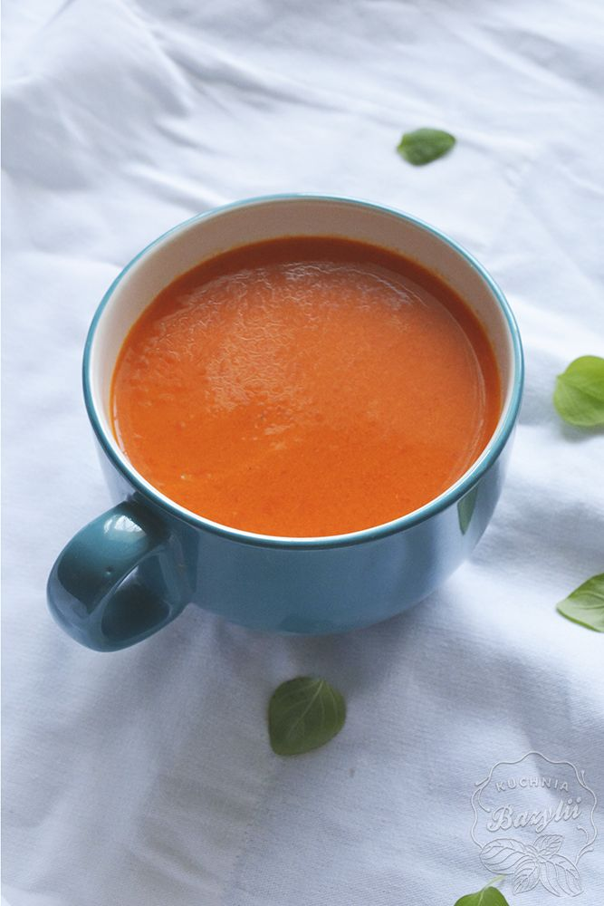 Aromatyczna i rozgrzewająca. Polecana na jesienne wieczory. Sprawdź! Zupa z pieczonej papryki rozgrzeje każdego w chłodne dni.
