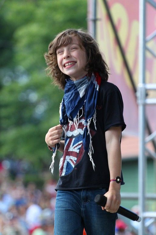 Léo Rispal is a French #childsinger and winner of the  second season of the French reality television series L'École des stars. Visit www.talkinfrench.com for everything you'd love to learn about French language and culture.