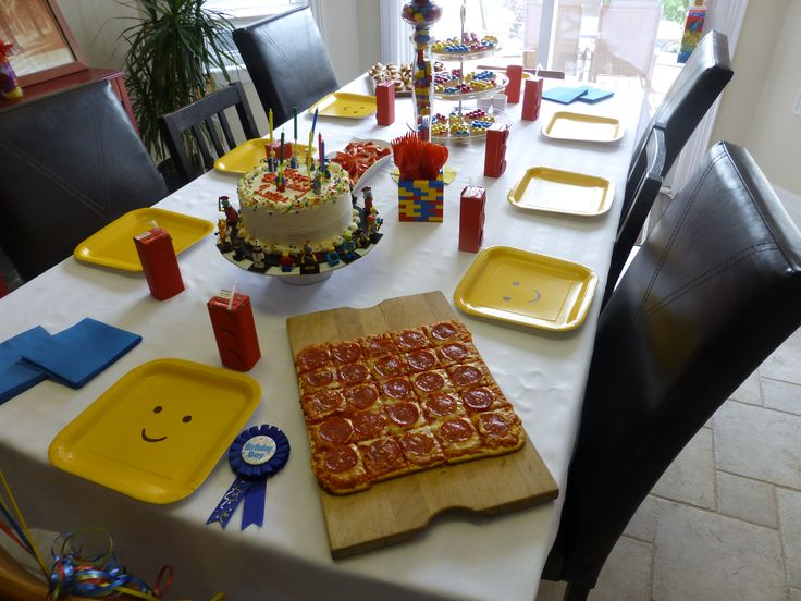 square paper plates with permanent markers for heads, square pep pizza cut as single lego pieces
