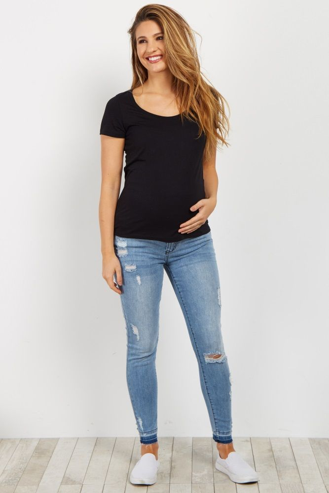 If you love a raw cut detail, then you will love these maternity skinny jeans. A solid jean with a raw cut hem for a casual style that you can be comfortable in day and night with an elastic waistband. Style with your favorite casual maternity top and sneakers for a complete look.